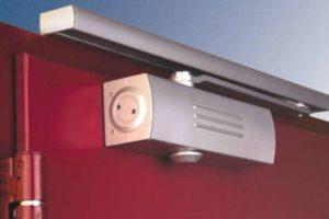 Как выбрать дверной доводчик